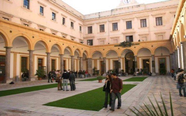 L atrio della scuola delle scienze giuridiche intitolato a for Facolta architettura palermo