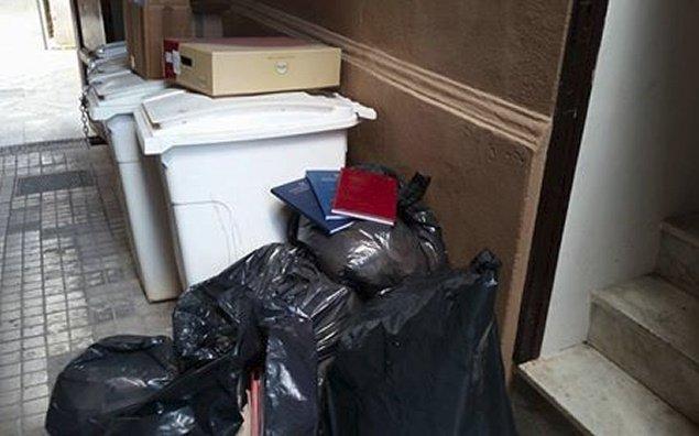 Tesi e libri nella spazzatura, succede a Giurisprudenza